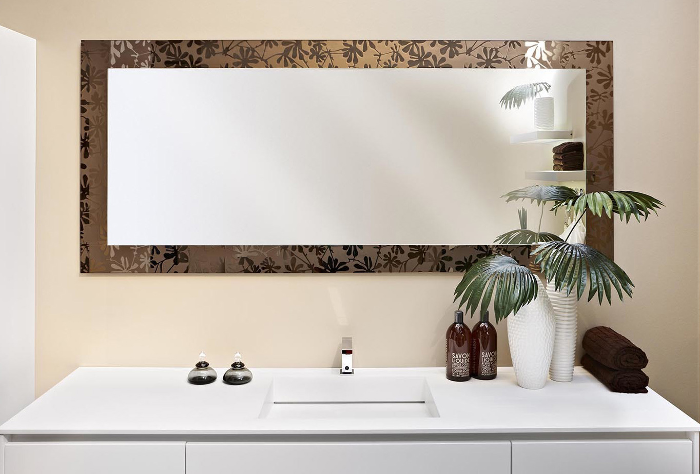 Specchi su misura conselvetro for Specchi di arredamento